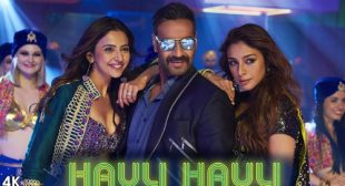 Get Hauli Hauli Song of Movie De De Pyaar De