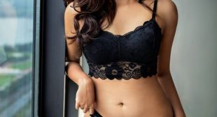 Air-Hostess Escorts Girl Anjali Sharma |Air-Hostess Escort Service Kolkata